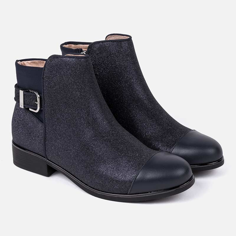 Синие демисезонные ботинки для девочки Mayoral